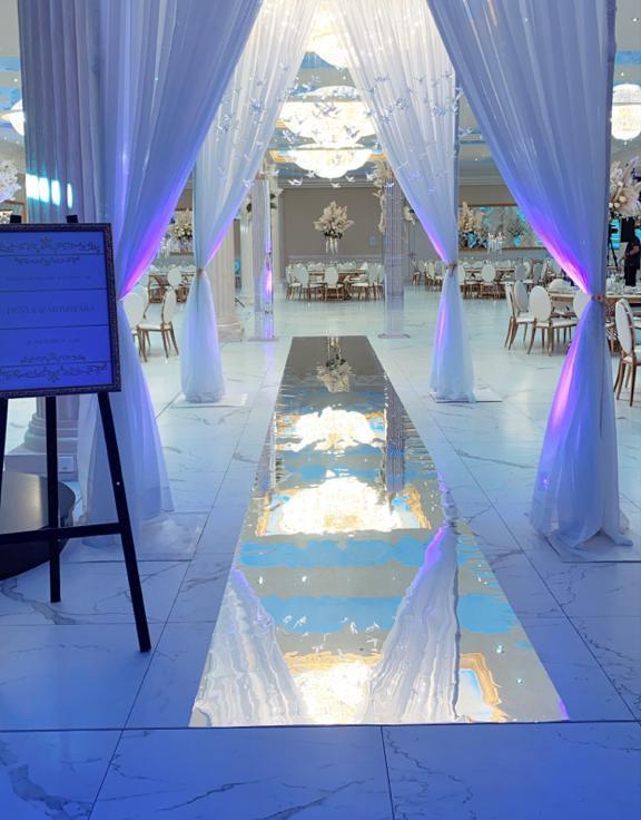 ALMAS Event Center - Großer Saal festlicher Eingangsbereich